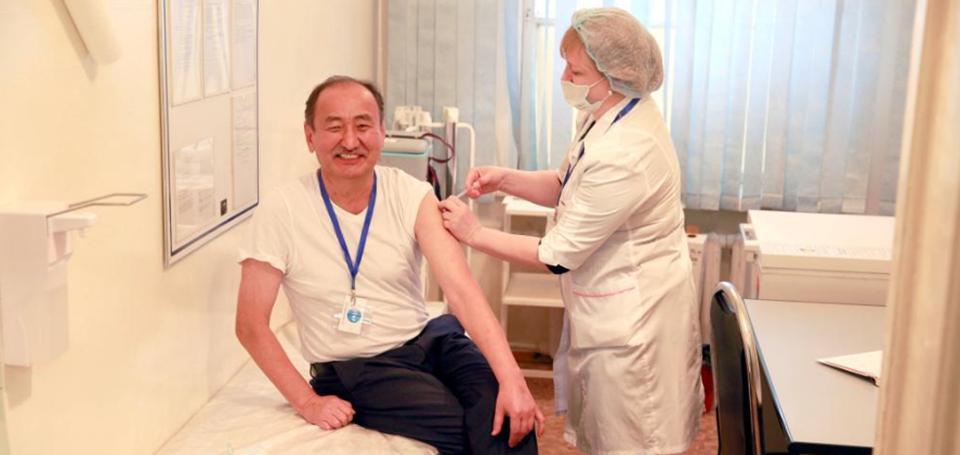 吉尔吉斯斯坦开始接种中国新冠疫苗