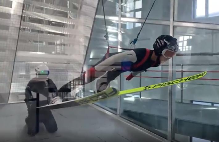 全球連線|(走近冬奧)赤日炎炎 如何練跳臺滑雪