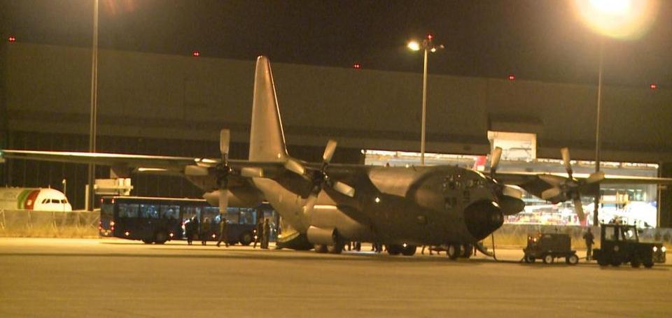 24名阿富汗难民乘机抵达葡萄牙