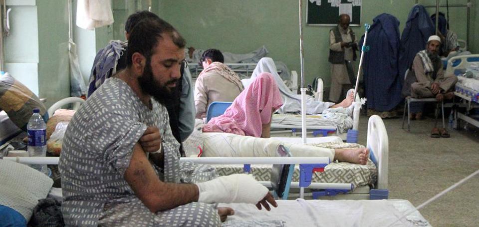 走进收治喀布尔机场外袭击事件伤者的医院