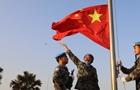 敬禮!戰地國旗別樣紅 藍盔戰士海外升旗慶新年