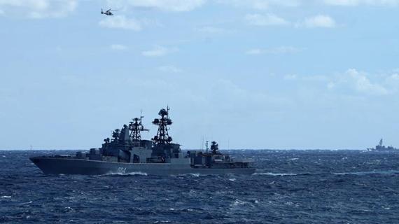 中俄首次海上聯合巡航遭遇外國艦機跟蹤偵察